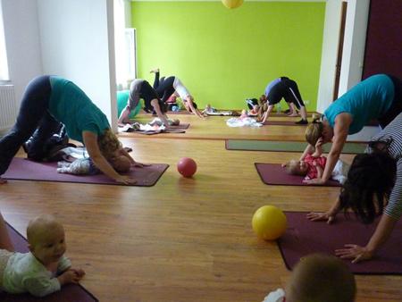 Mama- und Baby-Pilates
